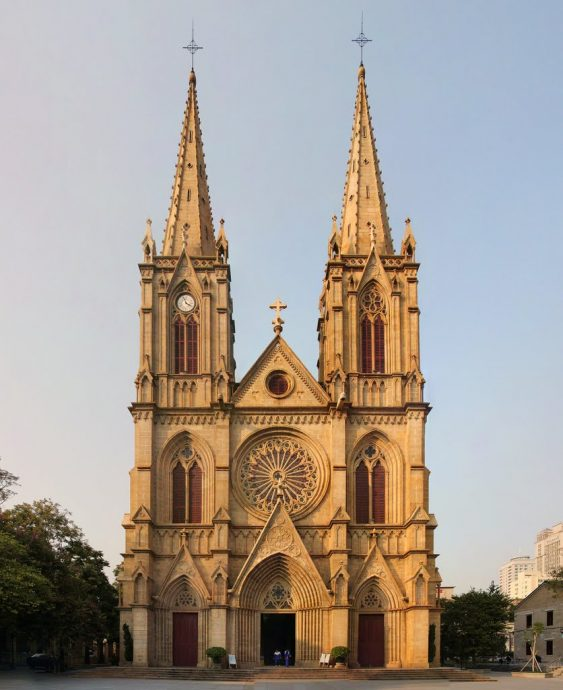 things to do in Guangzhou sacred heart cathedral