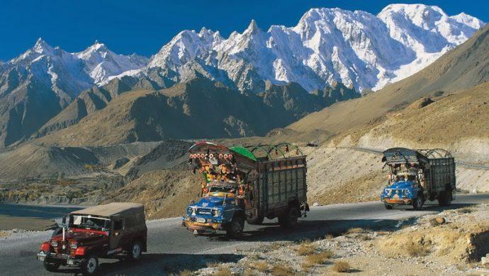 Karakoram Highway italianvagabond.com
