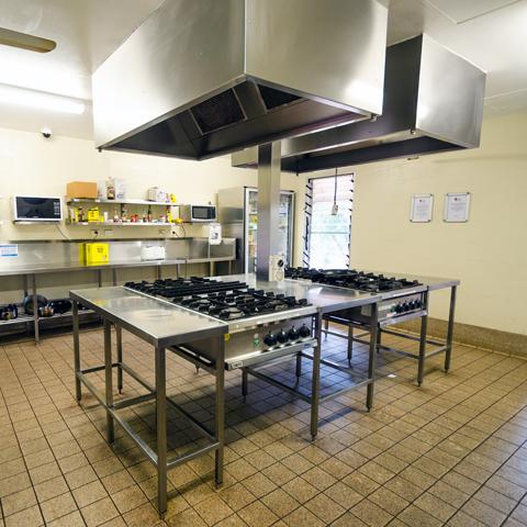 ayers rock resort kitchen