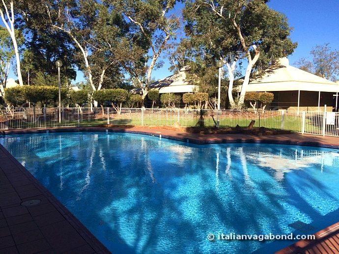 ayers_rock_resort_swimming_pool