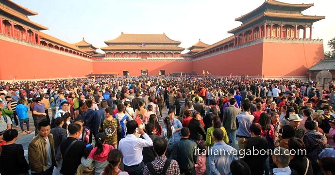 esta_Nazionale_Cina_1°_Ottobre_folla_2