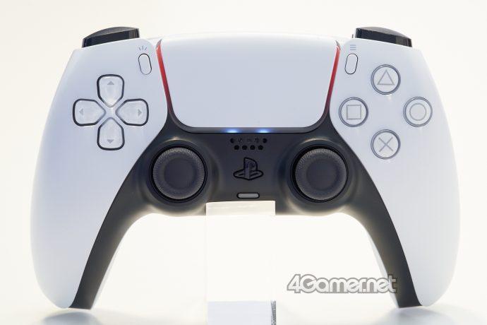 playstation-5-gamepad-controller-foto-dal-vivo-colori-LED